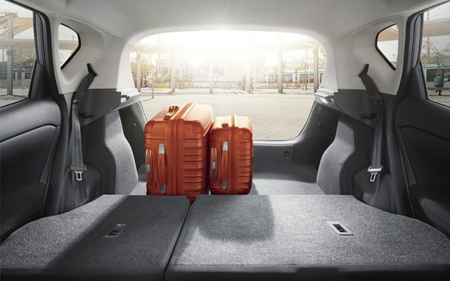 Разложенный багажник Nissan Tiida 2016