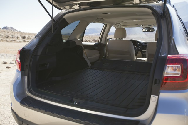 Багажное отделение Subaru Outback 2016 модельного года (фото)