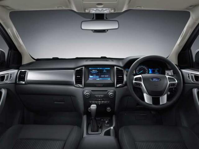 Фото салона Ford Ranger