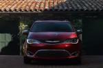 фото Chrysler Pacifica 2016-2017 вид спереди