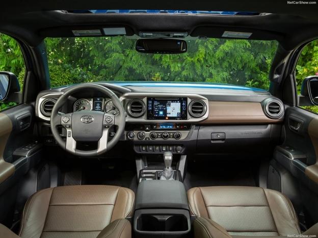 Снимок внутри Тойота Такома 2016-2017