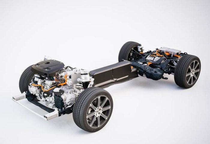 -В Женеве показали обновленный Volvo XC60 2017-2018