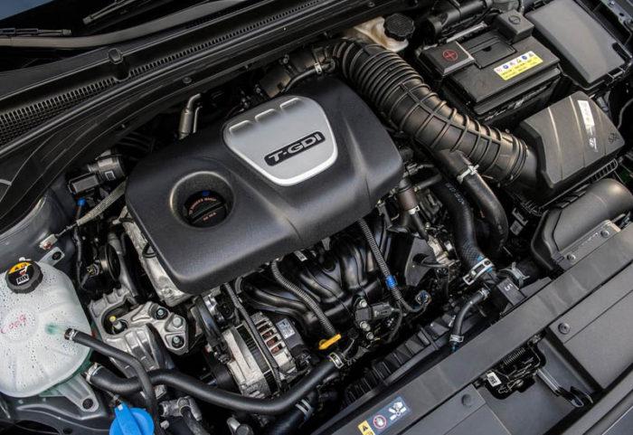 Hyundai Elantra GT 2017-2018 специально обновился для Северной Америки