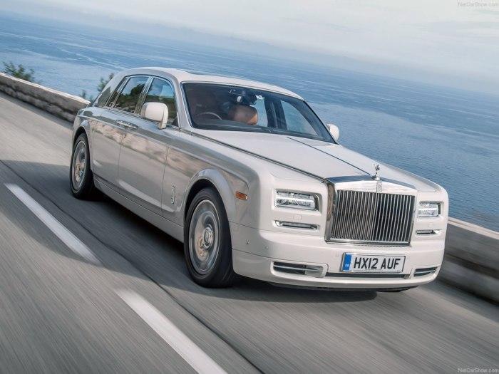 Rolls Royce Phantom 2018 - комплектации, цены, фото и характеристики