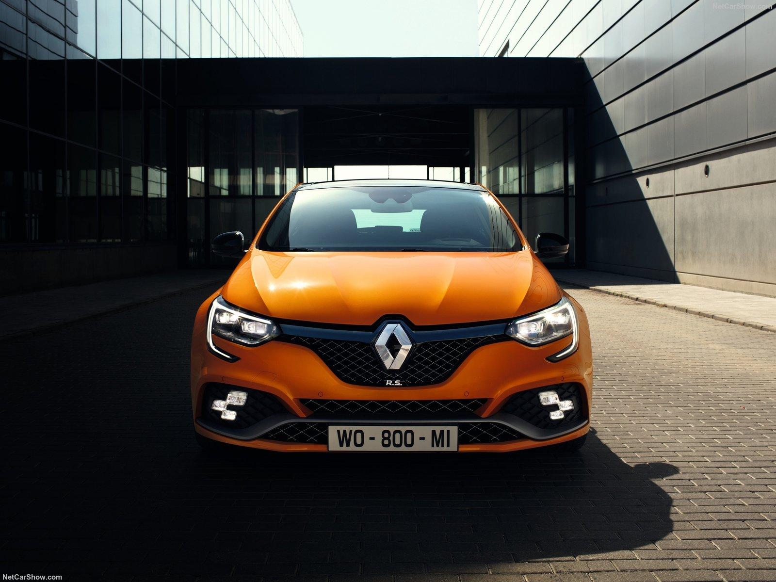 Renault Megan 2020: знакомый хэтчбек в спортивной версии с мощными моторами, роскошным салоном и всего от 1 млн. рублей