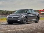 Volkswagen Jetta 2020: немецкий седан с турбированными моторами, расширенными комплектациями и увеличенными габаритами от 1,5 млн рублей