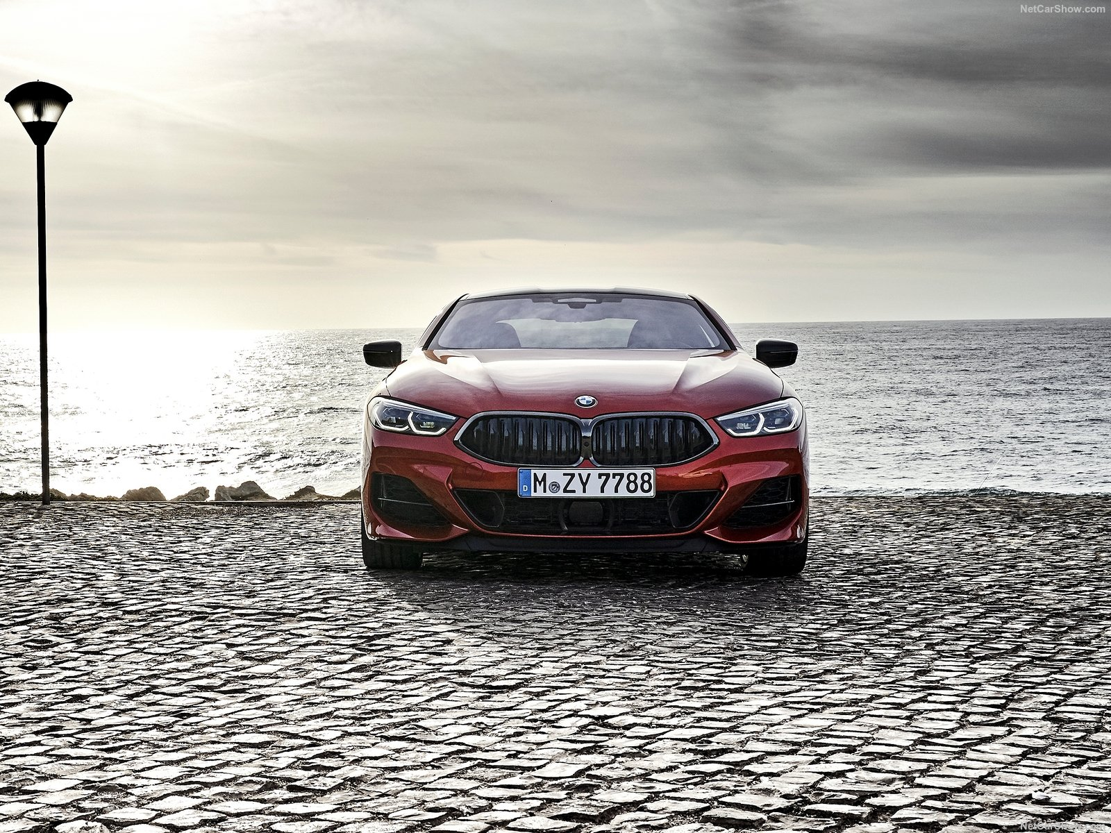 BMW 8-Series 2019 года: роскошное и стильное купе в новом кузове