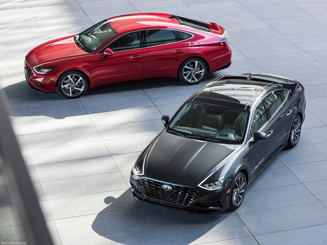 Hyundai Sonata 2020: городской седан с обновленными комплектациями, просторным салоном и премиальными опциями от 1,36 млн рублей