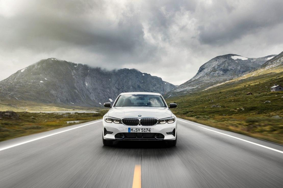 BMW 3 серии 2020 - обновленный и динамичный седан с роскошными характеристиками