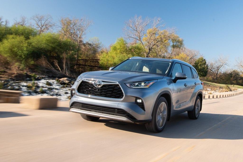 Тойота Хайлендер 2020 – популярный внедорожник пережил глобальную модернизацию