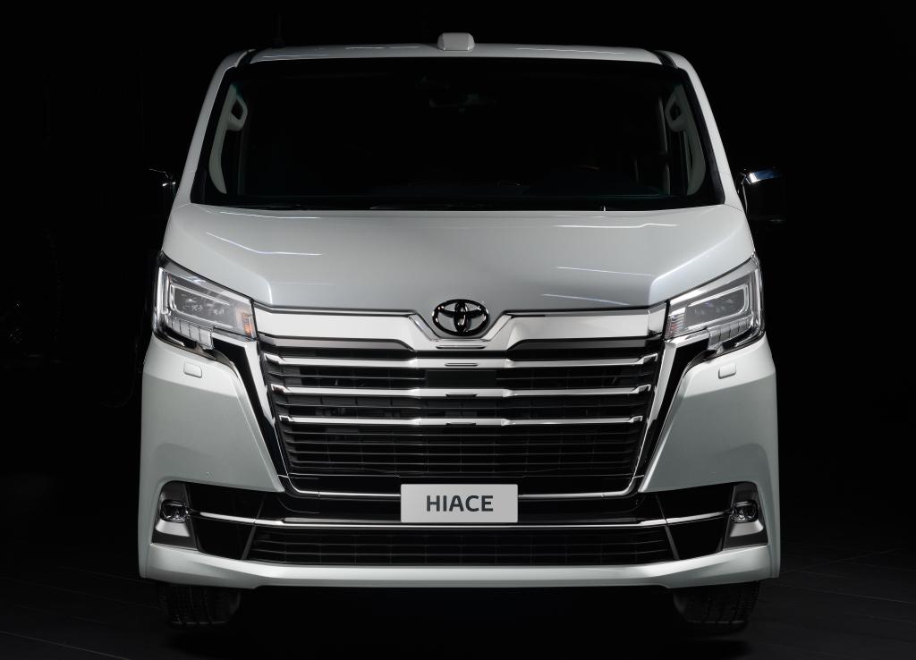 Тойота Хайс 2020 – япоский микроавтобус с дизельным двигателем