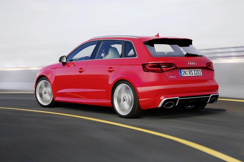 Фото Audi RS3 Sportback 2015-2016
