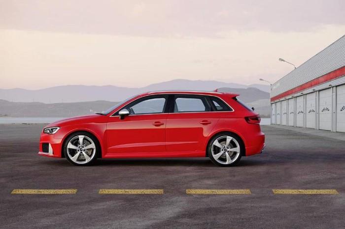 Фото нового Audi RS3 Sportback 2015-2016