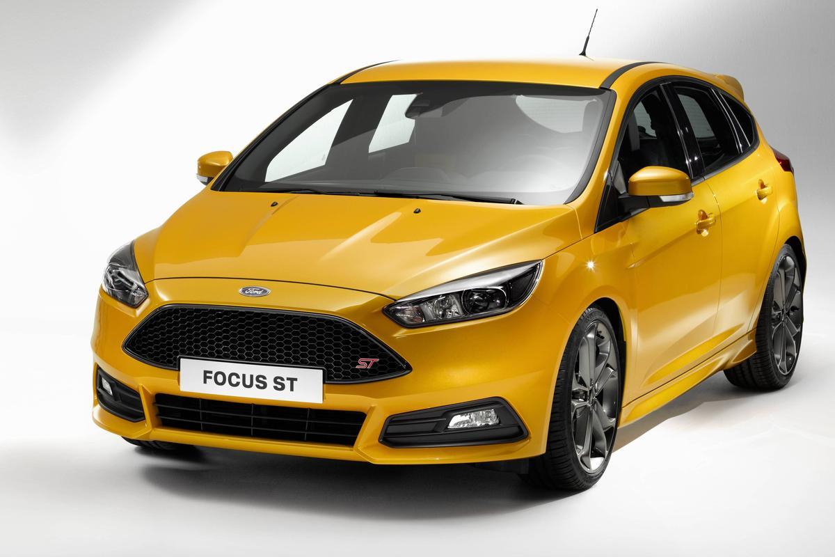 Фото нового Форд Фокус СТ 2015-2016