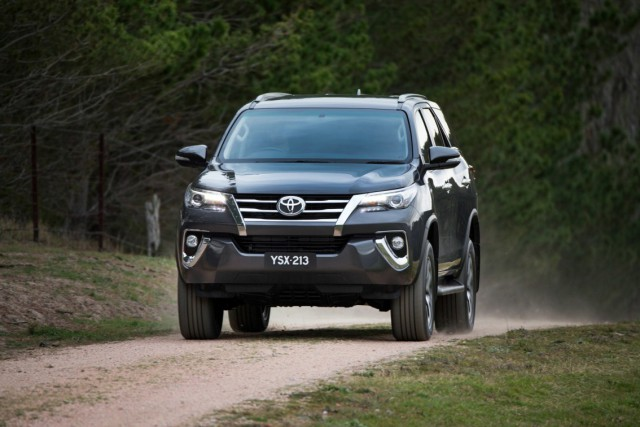 1437373004_hr_15_fortuner_reveal_17_1
