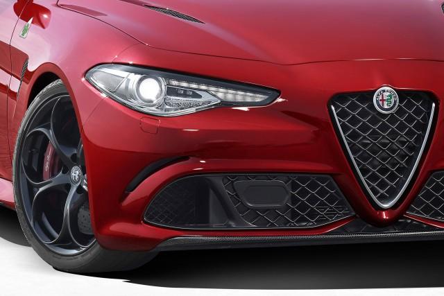 Фото Alfa Romeo Giulia 2016-2017