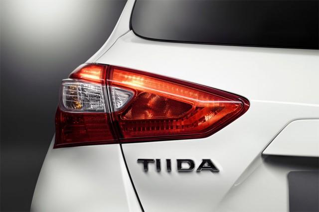 Шильдик Nissan Tiida 2016