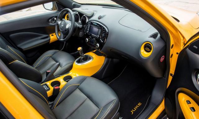 Переднее кресло автомобиля