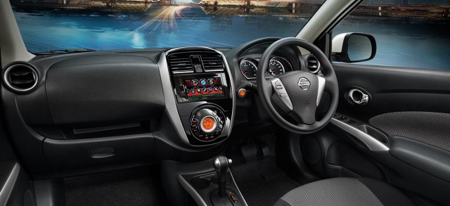 Салон Nissan Almera 2016