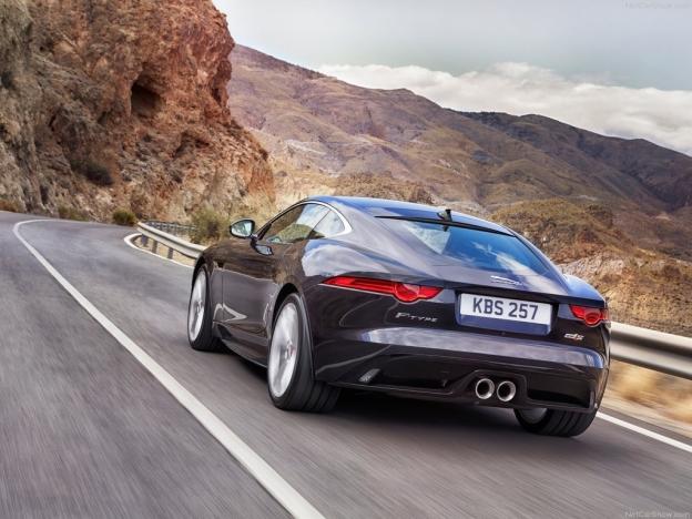 Фото Jaguar F-Type 2016-2017 сзади
