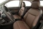 фото салон Chevrolet Cobalt 2016-2017 передние кресла