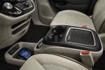 фотографии интерьер Chrysler Pacifica 2016-2017 года