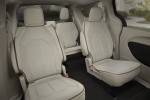фото салон Chrysler Pacifica 2016-2017 задние кресла