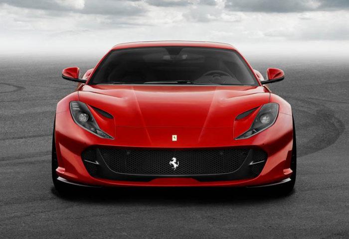 Новинке Ferrari 812 Superfast 2017-2018 добавили мощности