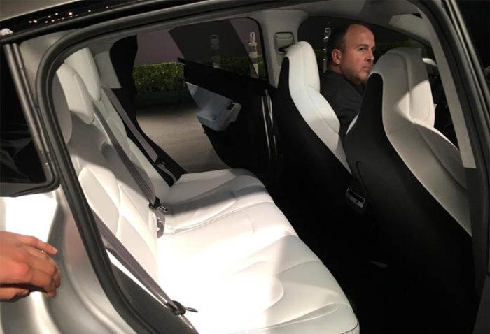 Tesla Model 3 2017-2018 — сверхбыстрый электрокар из Америки