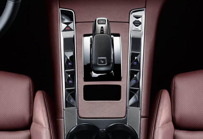 Новинка из Франции Citroen DS 7 Crossback 2017-2018