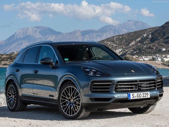 Porsche Cayenne 2018 - комплектации, цены, фото и характеристики